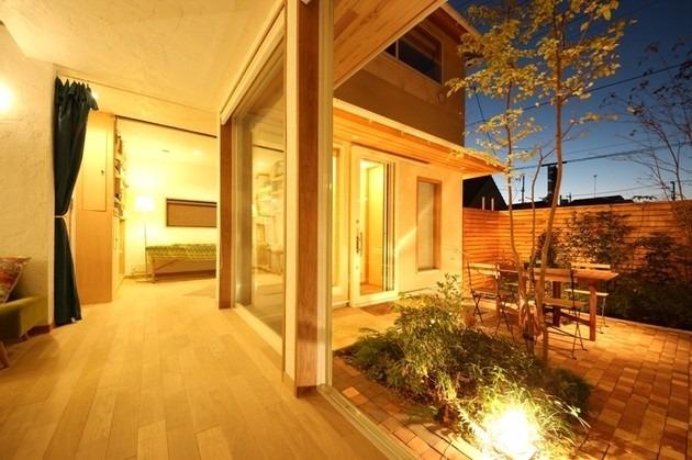 朝霞の家 リビング 中庭③